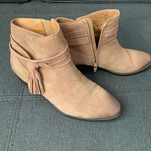 Sofft ankle boot 9.5
